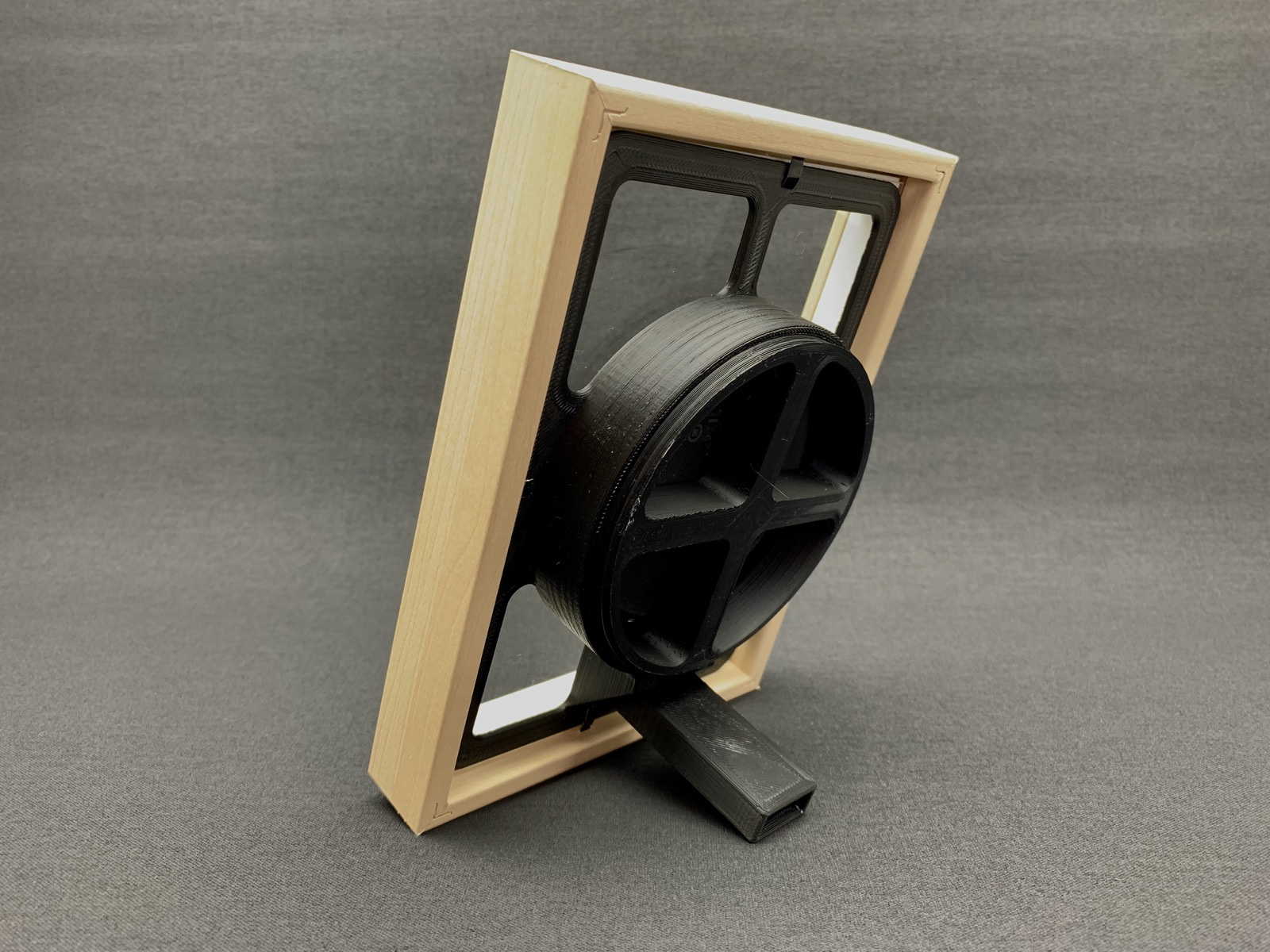 Qi charger picture frame insert